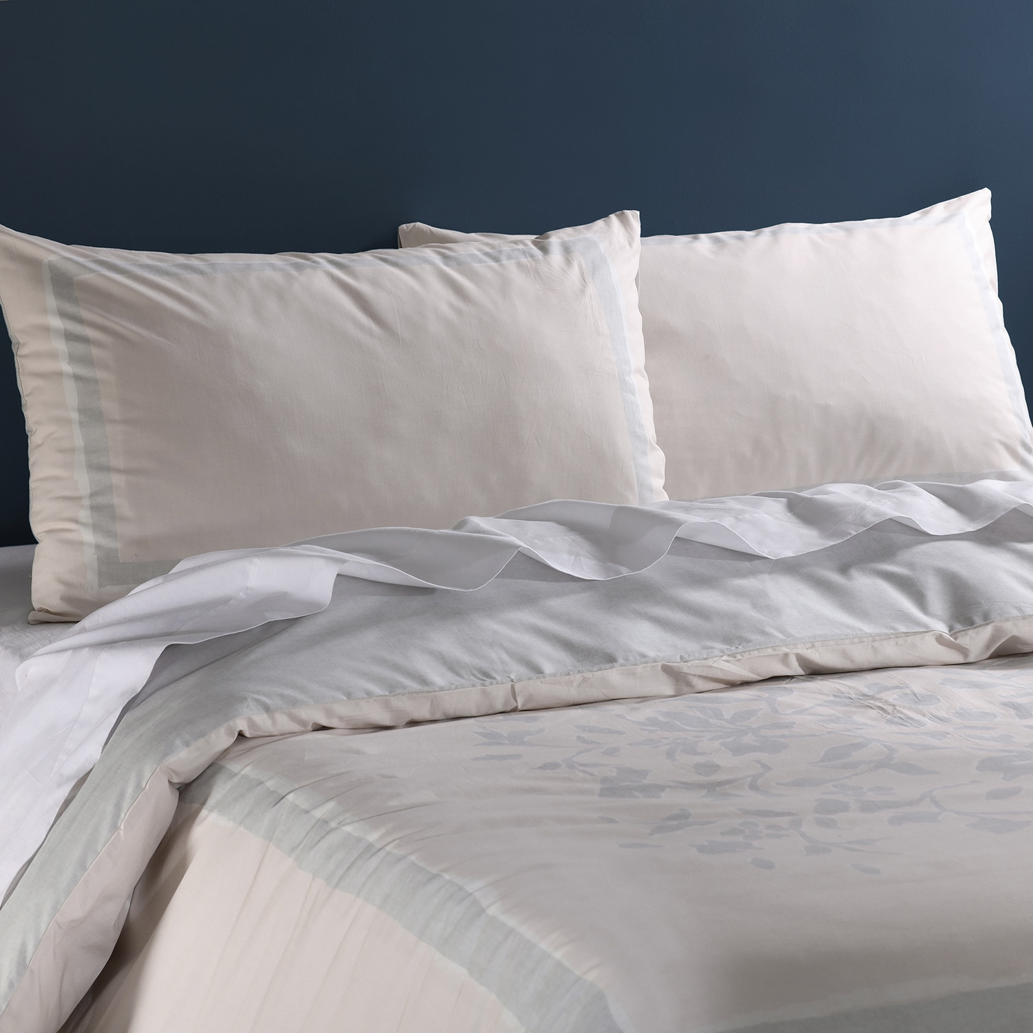 Villa Grey And Tan Cotton Percale Printed Reversible Duvet Cover Set