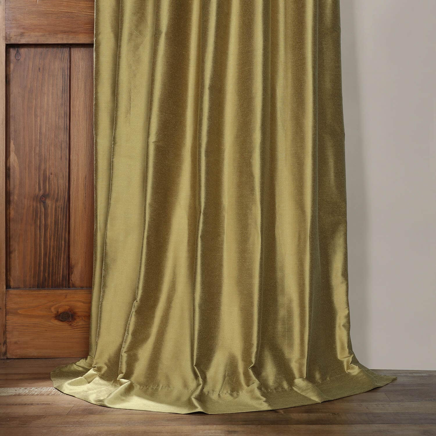 Collectors Gild Cotton Silk Curtain